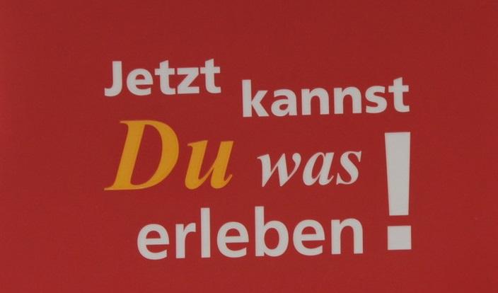 """Bild mit Slogan """"Jetzt kannst du was erleben"""", Copyright CBM"""